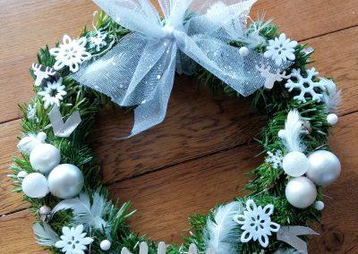 Couronne de Noël blanche